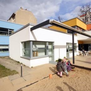 BERLIN SCHÖNEBERG |  energetische Sanierung einer Kita | Umbau | Überdachung des Atriums |