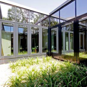 Pfostenriegelfassade Atrium außen
